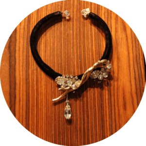 DIY choker vintage jewelry black velvet