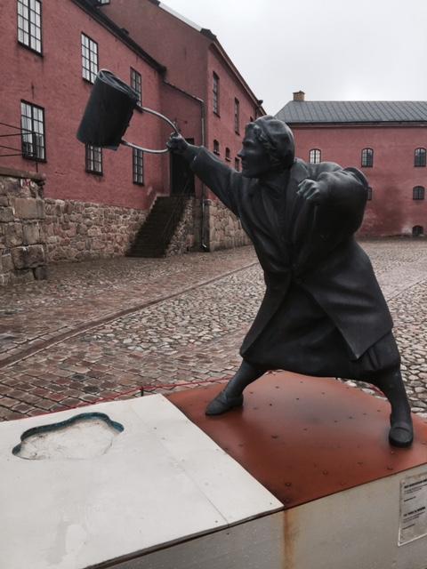 """""""Med handväskan som vapen"""" Hallands Museum Varbergs Fästning"""