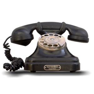 Bakelite phones made for better movie plots (pic Takkk)