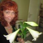Susanne und die Lilie - Selbstfoto :-)