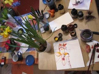 Ich entschliesse mich, auch die Narzissen zu zeichnen - Foto von Susanne Haun