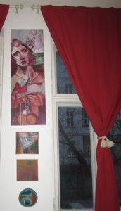 Katzenblick, Acryl auf Leinwand von Susanne Haun darunter Leinwände von Lisa Mc Neal