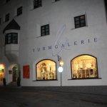 Die Turmgalerie in Imst Österreich - Galeristin Ingrid Thurner