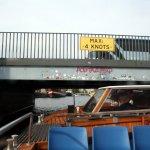 Niedrige Brücken auf der Kanaltour in Kopenhagen (c) Foto von Susanne Haun