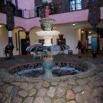 Der Brunnen im Hof des Hundertwasserhaus (c) Foto von Susanne Haun