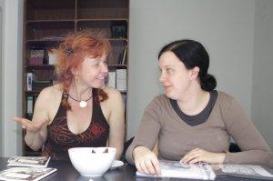 Wir zeichnen gemeinsam die Vorugsexemplare (c) Foto von Susanne Haun