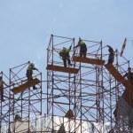 Bauen in lufitiger Höhe - auf der ewigen Baustelle der Sagrada Familia von Gaudi (c) Foto von Susanne Haun