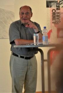 Gregor Gysi, der Schirmherr der Ausstellung, spricht ein paar Worte (c) Foto von M.Fanke