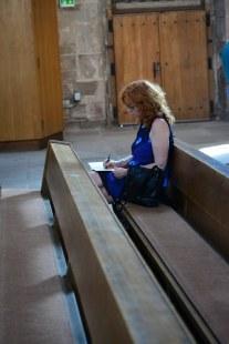 Susanne Haun beim Zeichnen in St.Sebald (c) Foto von M.Fanke