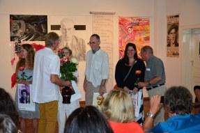 Rosen für die Beteiligten werden verteilt (c) Foto von M.Fanke