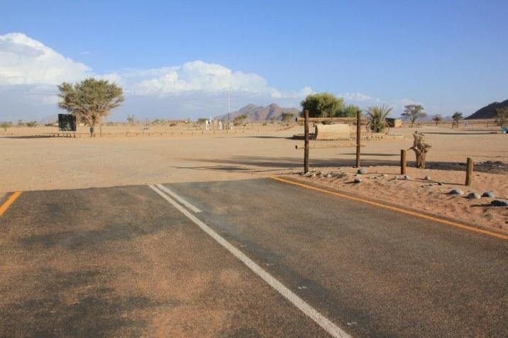 Die Straße endet in der Namib Wüste - Namibia (c) Foto von Susanne Haun