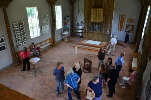 Von der Galerie hat der Besucher einen guten Überblick über die Ausstellung RaumZeitBegegnungen (c) Foto von M.Fanke