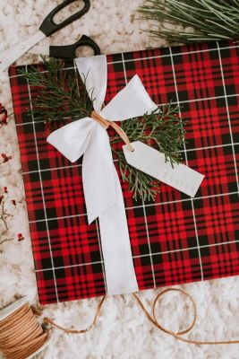 Gift wrapping inspiration for a festive holiday!