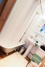 Go Cottage Bathroom