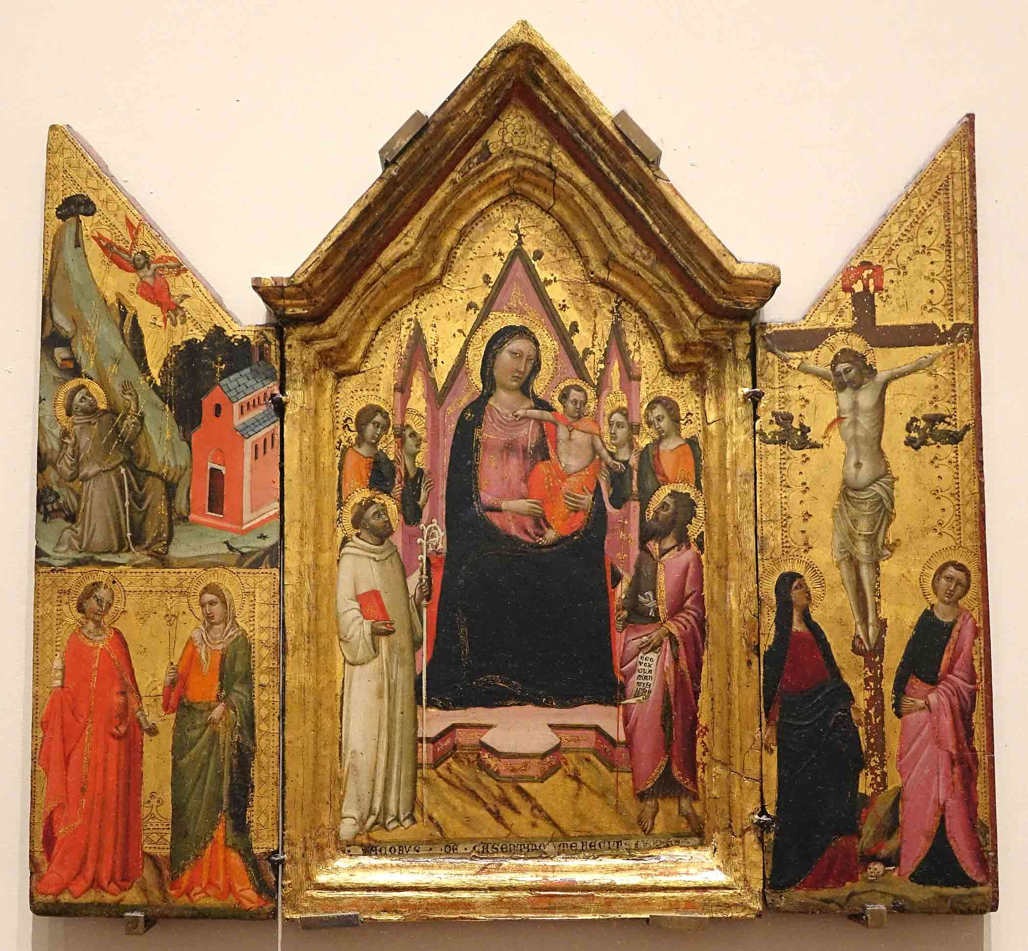 image of gothic altarpiece