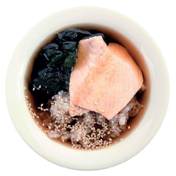 Суп с мисо бульоном и лососем