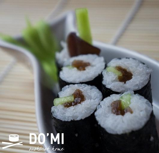 Sushi z marynowaną tykwą