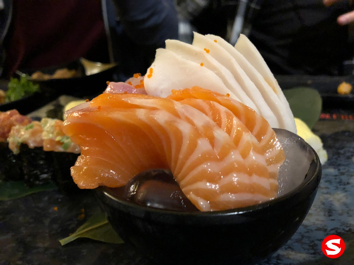 suzuki (sea bass), ibodai (butterfish), sake (salmon) sashimi bowl