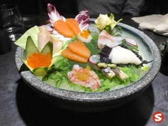 ikura (salmon roe), hamachi (yellowtail), sake (salmon), hotategai (scallop), ebi (shrimp), suzuki (sea bass), aji (mackerel), ibodai (butterfish) sashimi plate