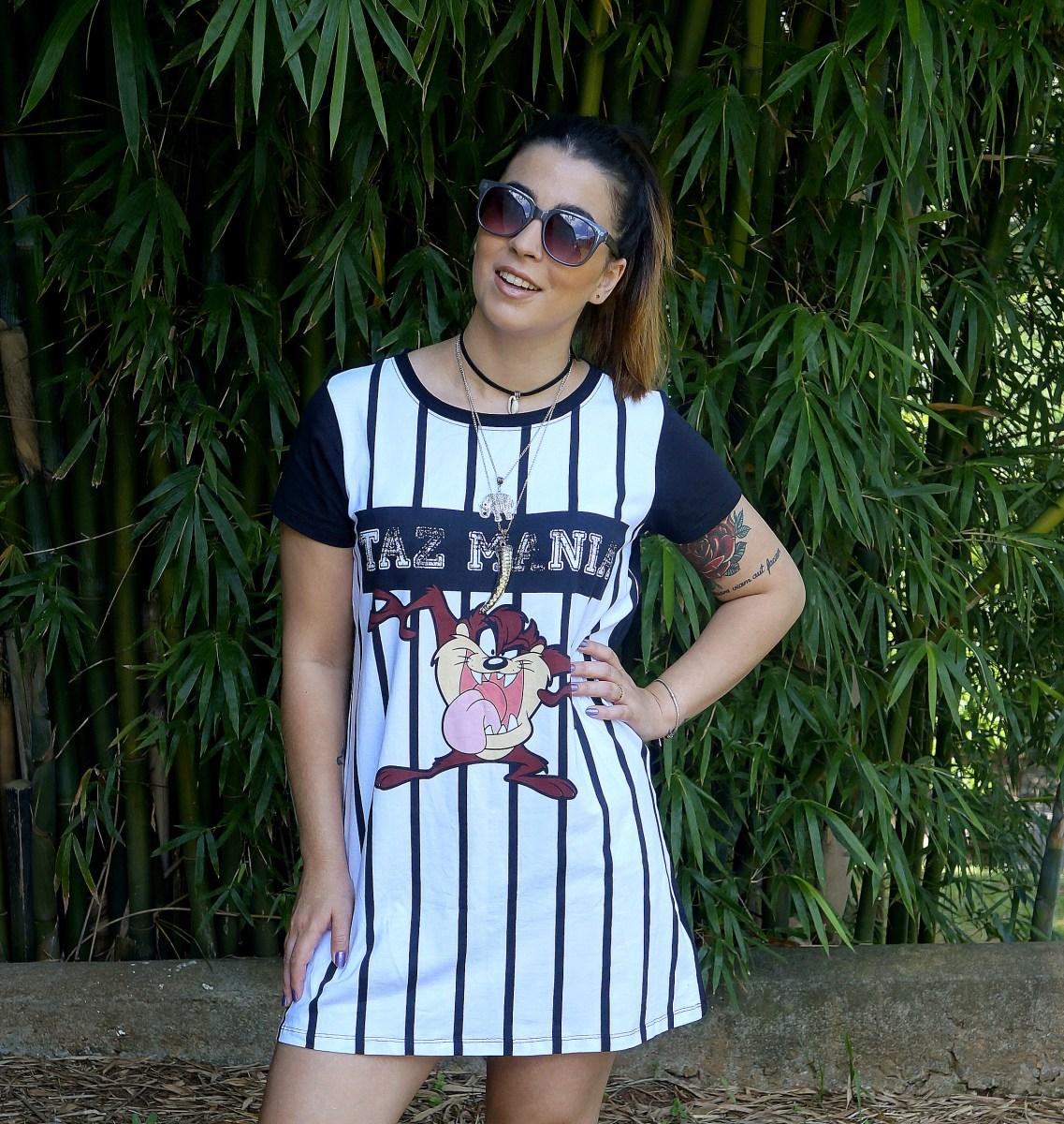 Look: T-shirt dress Taz mania