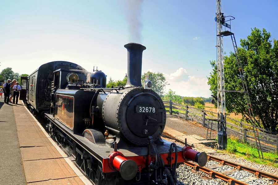 A steam train on hte Kent and East Sussex Railway