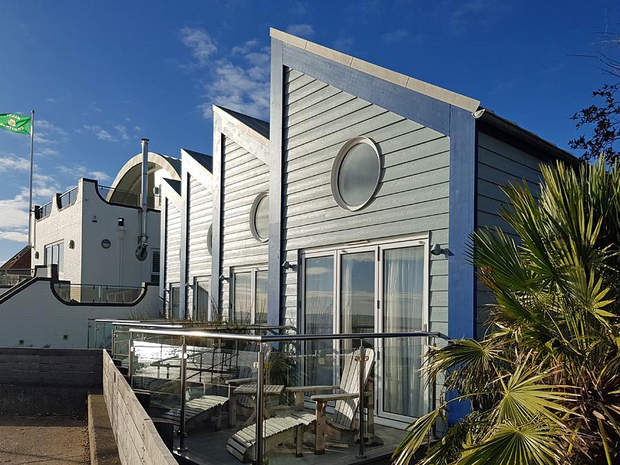 Beach UK Holiday_ Beach Hut Suites, Felpham, West Sussex