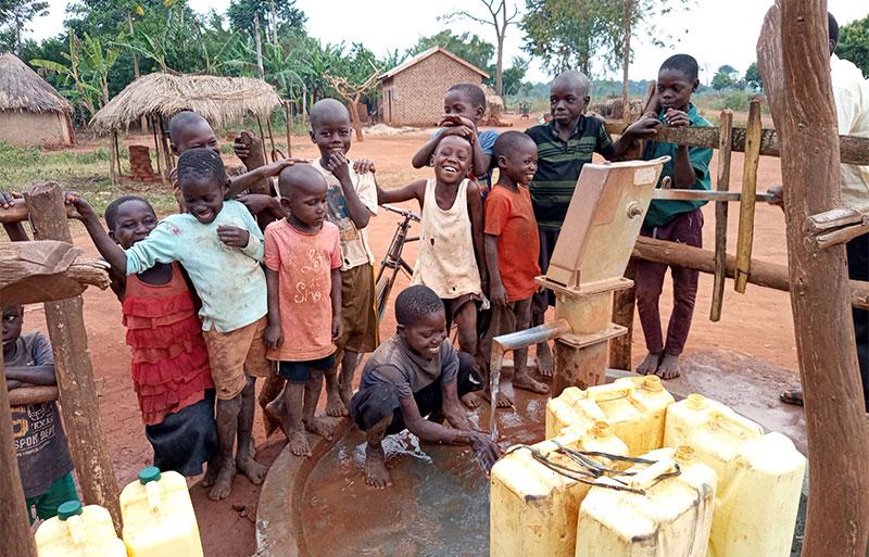 Sussex vicar helps Uganda