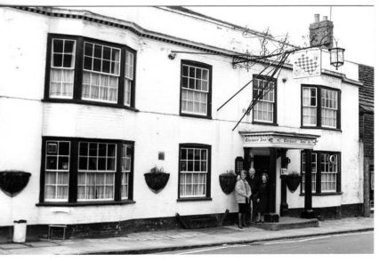 THE PUBS & BREWERIES OF STEYNING Dr Janet Pennington