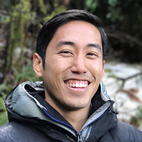 Derek Chung '12