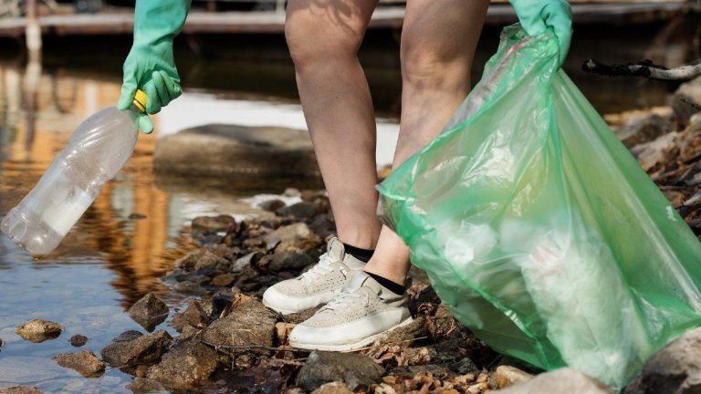 What Trash Bags Can I Use for Recycling?
