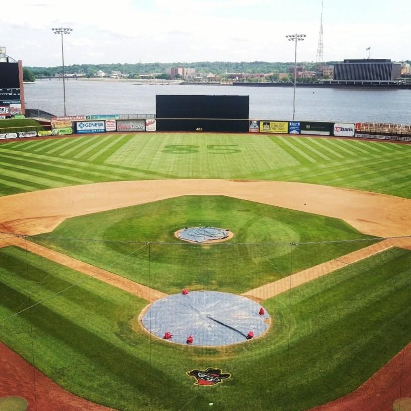 Baseball diamond with mowing patterns