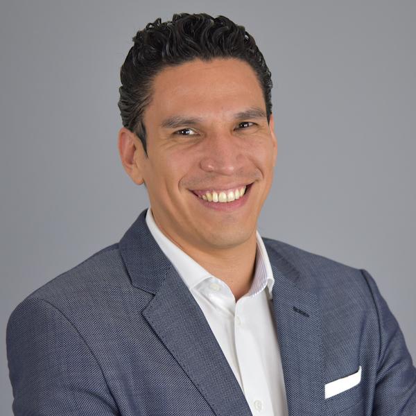 Dr. Josue Velazquez