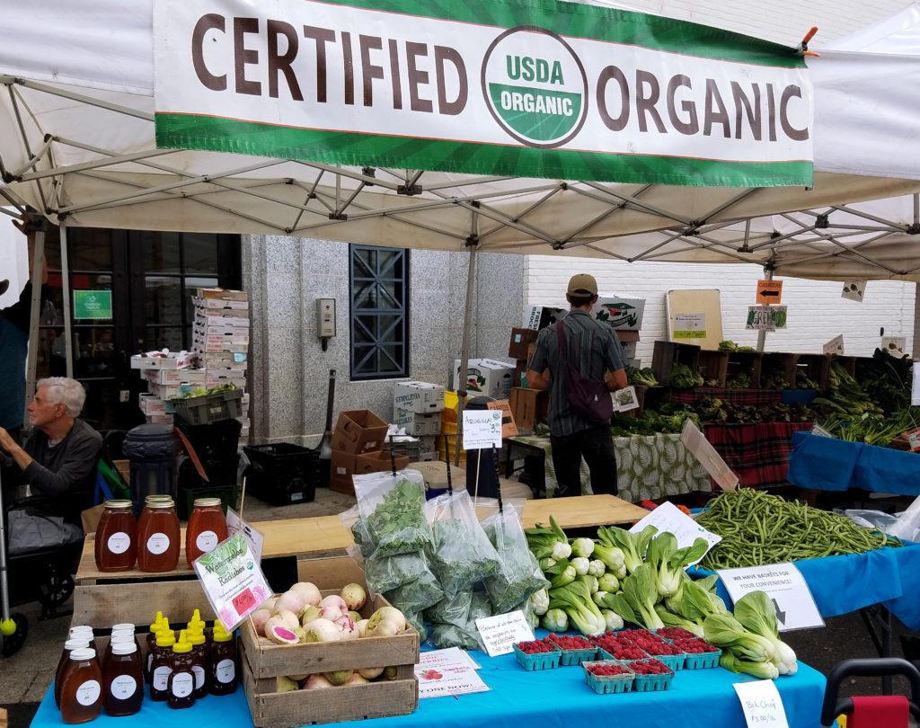 Organic produce at Washington DC's Dupont Farmers Market. Photo credit: Reana Kovalcik.