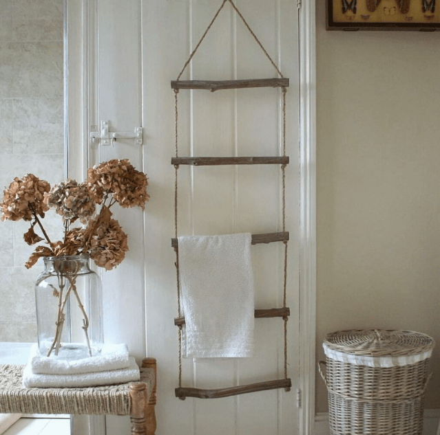 Floating Ladder Style DIY Towel Storage