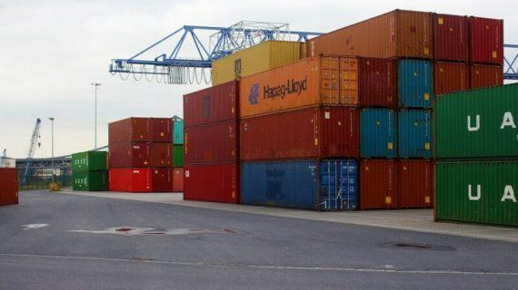 Perbedaan Ekspor dan Impor