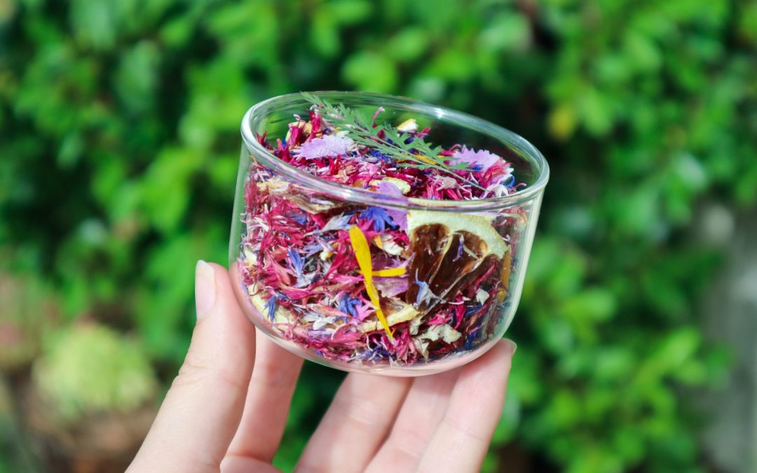How to Preserve Edible Flowers