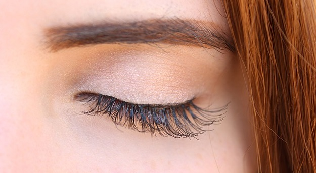 How to make your own all-natural non-toxic mascara