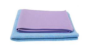 Norwex Dynamic Duo - Envirocloth in blue (also available in green, yellow and pink) and Window cloth | SustainableSuburbia.net