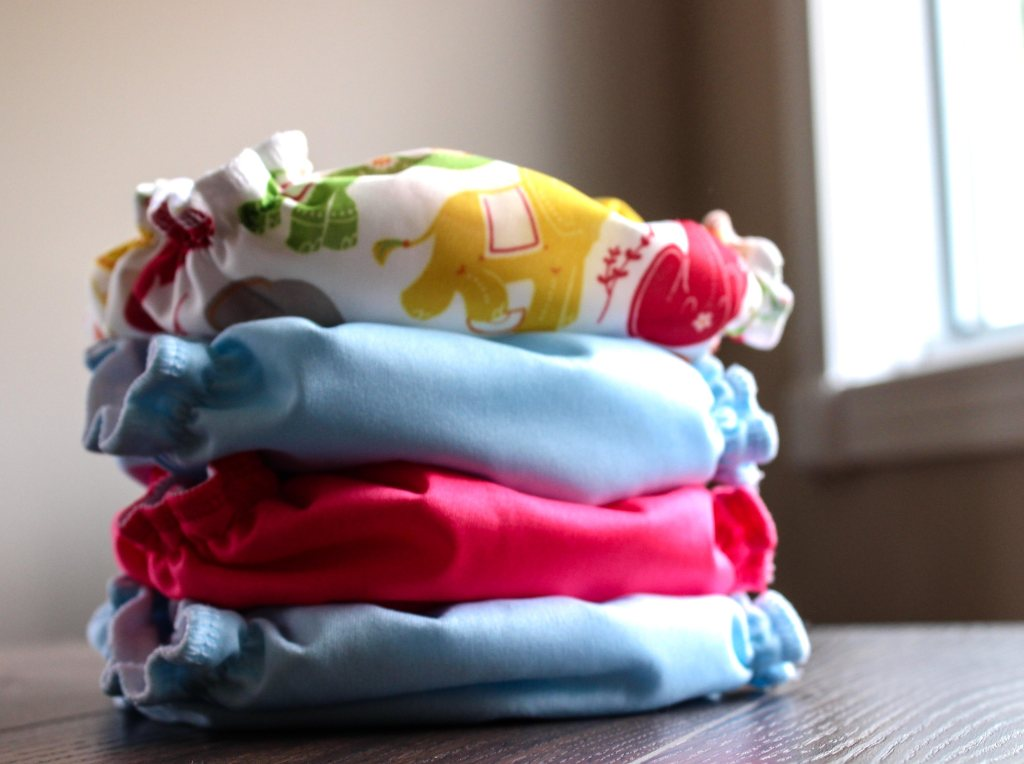 FIVE REASONS TO CLOTH DIAPER