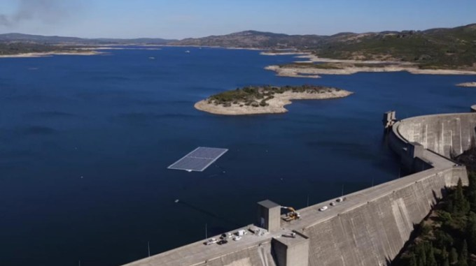 ©EDP Group – FPV on Alto Rabagão dam in Portugal.jpg