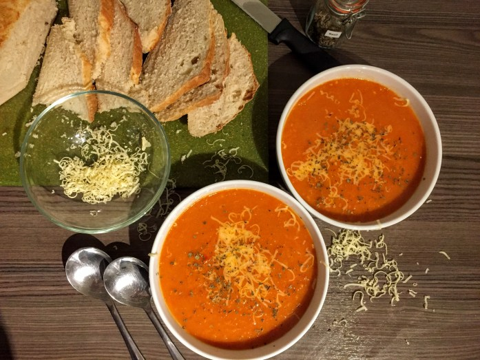 Roasted Tomato, Pepper and Chilli Balsamic Soup | Vegan and Vegetarian Recipe | Sarah Irving | Susty Meals