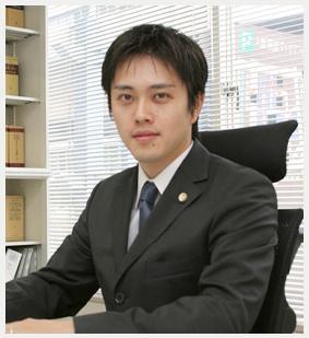大阪 府 吉村 知事 の 学歴