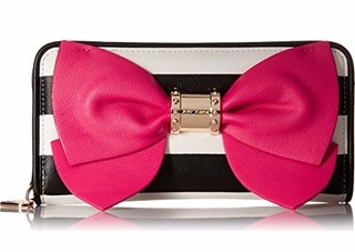 betsey-johnson-ready-set-bow-wallet-clutch