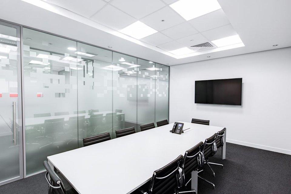 Desain Ruang Meeting di Kantor Paling Rekomendasi