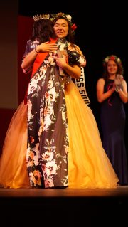 Former Miss SUU Baylee Terrones crowned Tiffany Chin, the new Miss SUU, on Wednesday, Oct. 4.