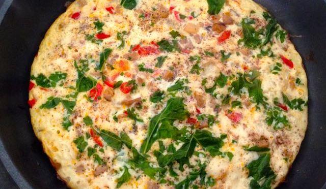 Salaatti nro 58 – Lehtikaali-paprika-sieni-munakas