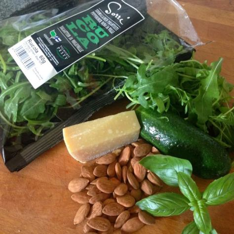 Rucola salaatin raaka-aineet