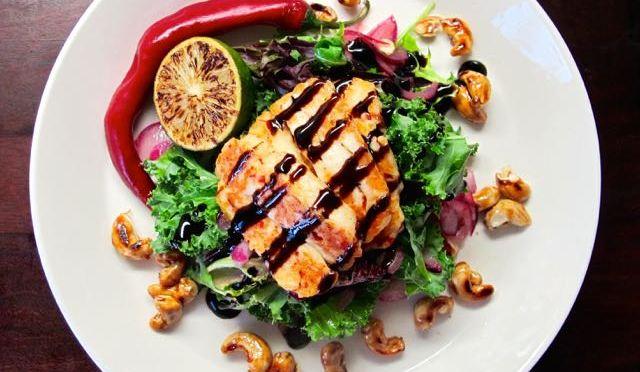 Salaatti nro 91 – Chili-halloumisalaatti
