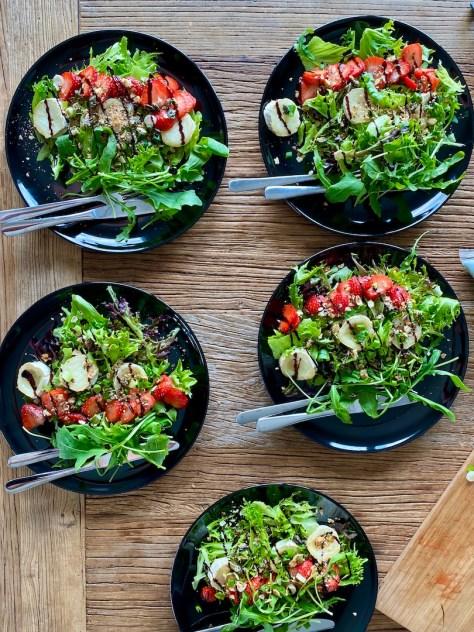 Valmiit salaatti-annokset