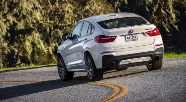 2019 BMW X4 rear view